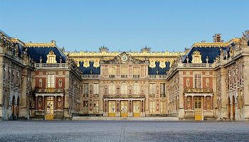 Private guided tour of the Palace of Versailles with queue-closing access half a day